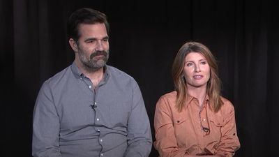 'Catastrophe' stars discuss 'brutal' relationship dialogue