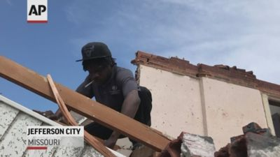 Missouri residents begin to clean up after tornado