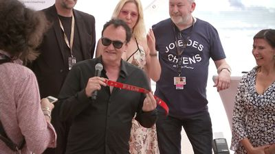 Tarantino picks up best dog award in Cannes