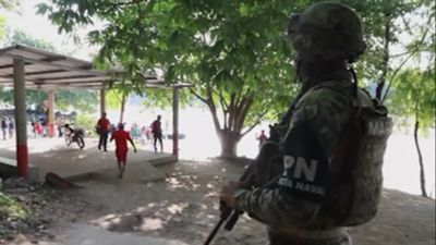 More Mexican troops arrive at Guatemalan border