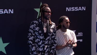 Music elite hits the blue carpet for the BET Awards