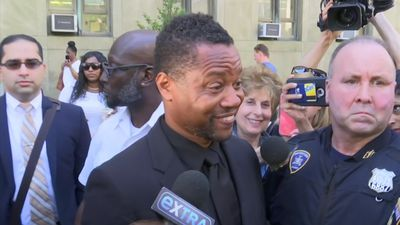 Gooding Jr. at court, seeks groping case dismissal