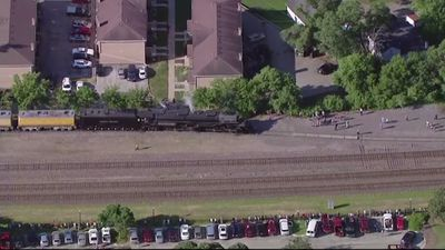 Largest steam locomotive leaves Chicago area