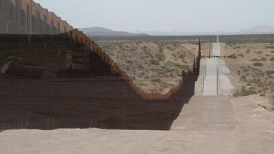 Work on more border fencing starts in New Mexico