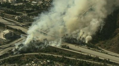 Los Angeles-area fire spurs evacuation orders