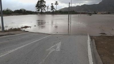 Torrential rains pound southeastern Spain