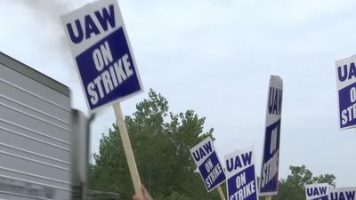 UAW says GM's offer came too late to avoid strike