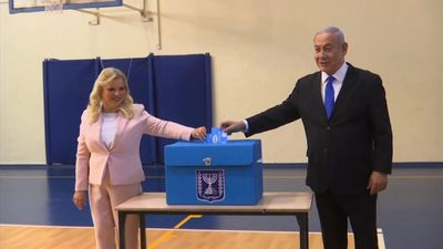Netanyahu, Gantz vote in Israeli election