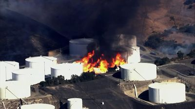 Fuel storage tanks up in flames near San Francisco