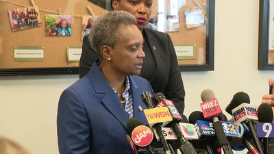 Mayor to teachers: Chicago won't budge on money