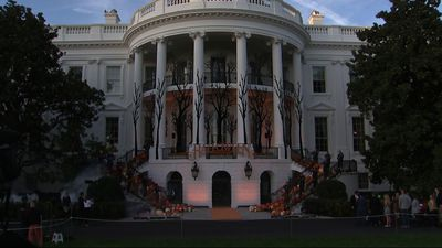 Trumps give out treats at spooky White House