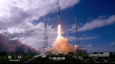 SpaceX launches 60 mini satellites into orbit