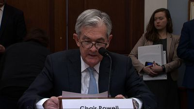 Powell urges Congress to tackle budget deficits