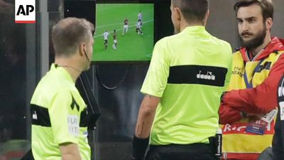 Referees chief discusses handball rule