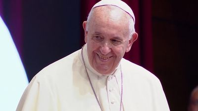 Pope Francis begins Asia tour in Bangkok