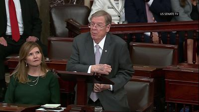 Senate bids farewell to Johnny Isakson