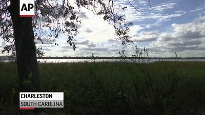 Historic US town facing sea rise dilemma