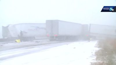 At least 50 vehicles crash in snowy Iowa pileup