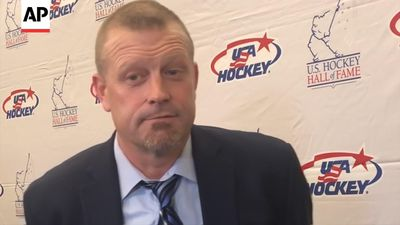 Former NHL goalie Tim Thomas details brain damage