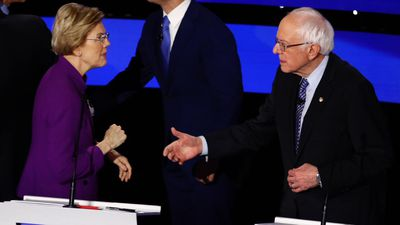 Warren makes case: Democratic woman can beat Trump