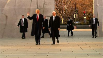 Trump pays visit to national MLK memorial
