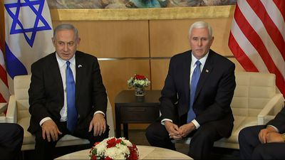 Netanyahu, Gantz invited to White House next week