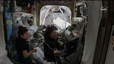 Spacewalkers close to fixing cosmic ray detector