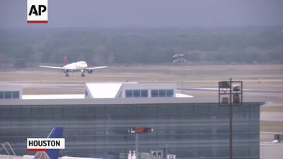 Houston airport to start coronavirus screenings