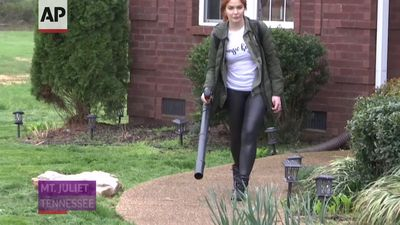 Caylee Hammack's band starts landscaping after gigs postponed