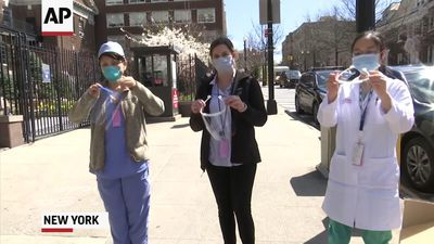 NY nurses use 3D face masks due to acute shortage
