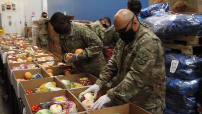 National Guard troops assist Arizona food banks
