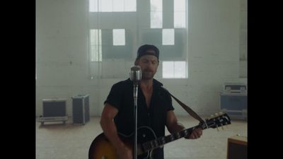 Kip Moore reflects inward on new record