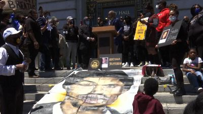 Jamie Foxx protests with faith leaders, activists