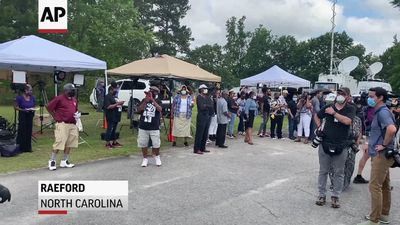 US mourners arrive for George Floyd memorial