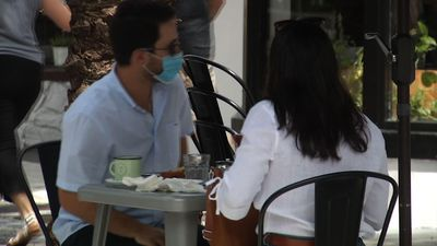 Miami-Dade restaurants limited to outside seating