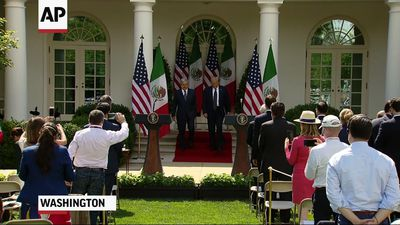US, Mexico leaders talk trade, sign agreements