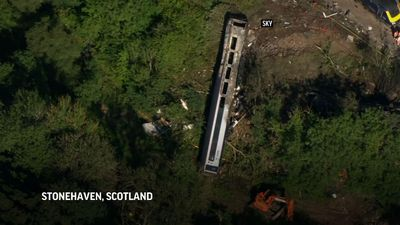3 dead, 6 in hospital in Scotland train derailment