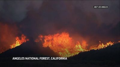 Southern Calif. fire threatens hundreds of homes