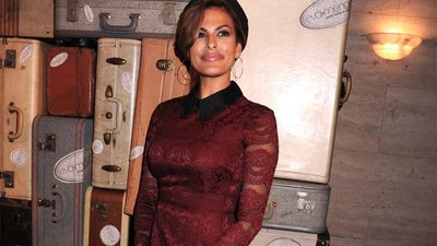 Eva Mendes loves 'playing Santa'