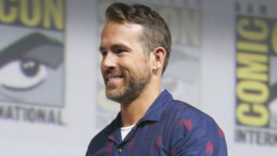 Ryan Reynolds calls Hugh Jackman a 'fraud'