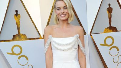 Margot Robbie still sleeps with childhood stuffed animal