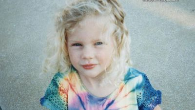 Taylor Swift shares adorable throwback birthday snap