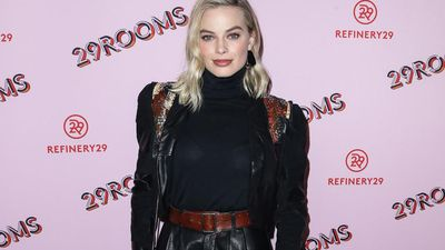 Margot Robbie wants dinner with Prince Harry and Duchess Meghan