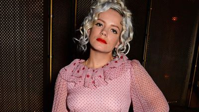 Lily Allen is bored of people without alcohol