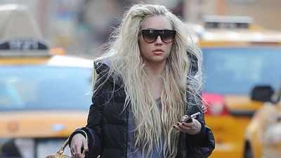Amanda Bynes mother will decide if she marries her fiance