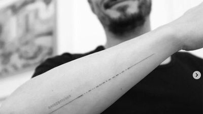 Orlando Bloom fixes his misspelled tattoo