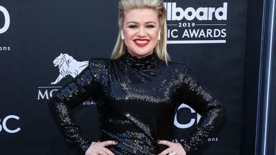 Kelly Clarkson set to host the Billboard Music Awards 2020