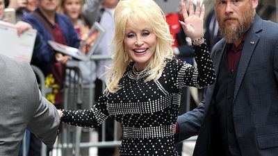 Dolly Parton donates $1 million to coronavirus cure research