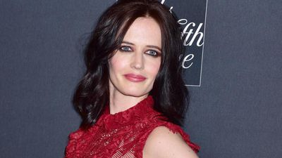 From movies to tractors: Eva Green could swap acting for farming!