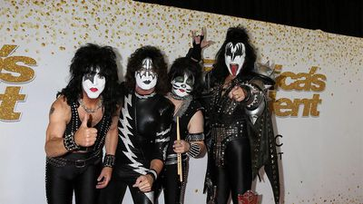KISS lead tributes to Bob Kulick